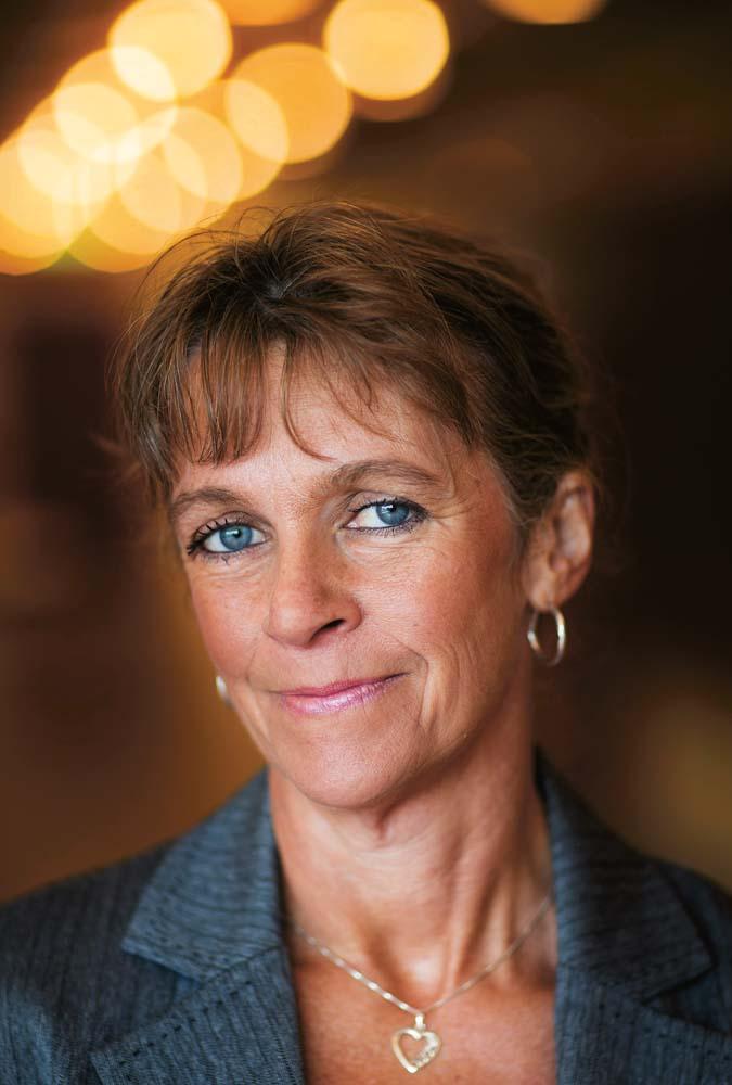 40 år kvinna Normerna gynnar manliga forskare   40 år kvinna