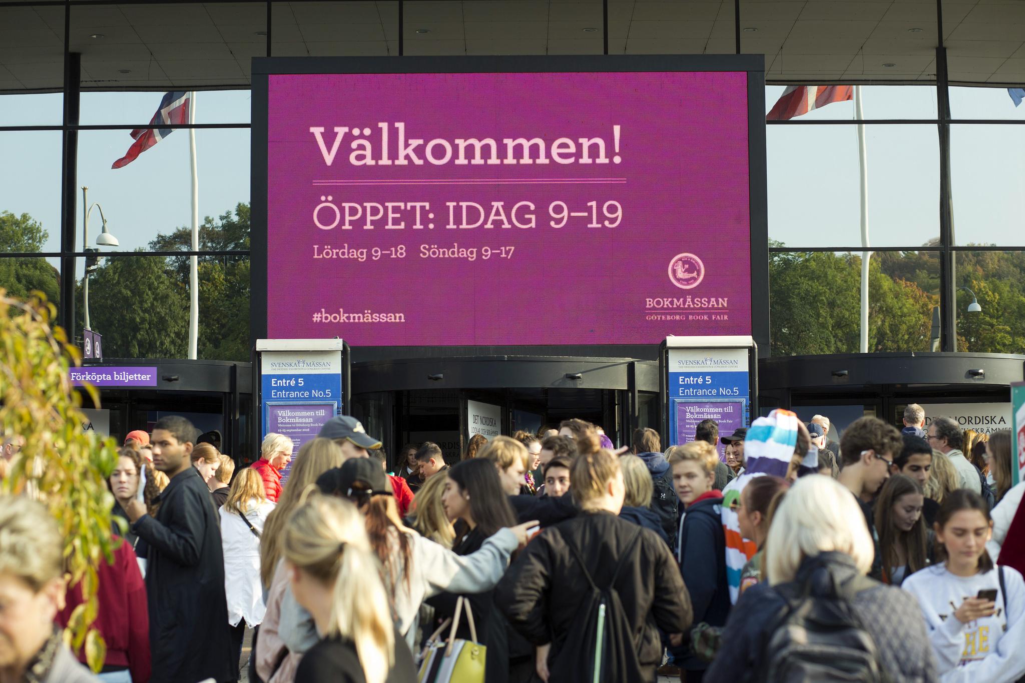 svensk dejtingkultur 33 år gammal man dating 21 år gammal kvinna